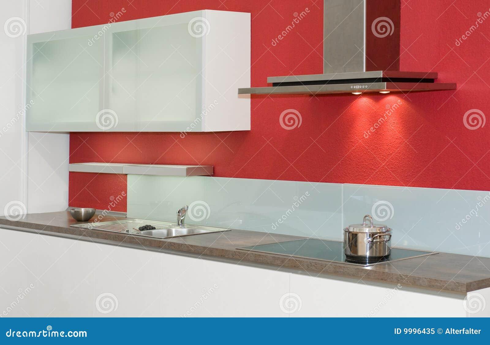 Good cucina rossa e bianca cucina moderna rossa foto stock u cucina moderna rossa with cucine - Cucina rossa e bianca ...