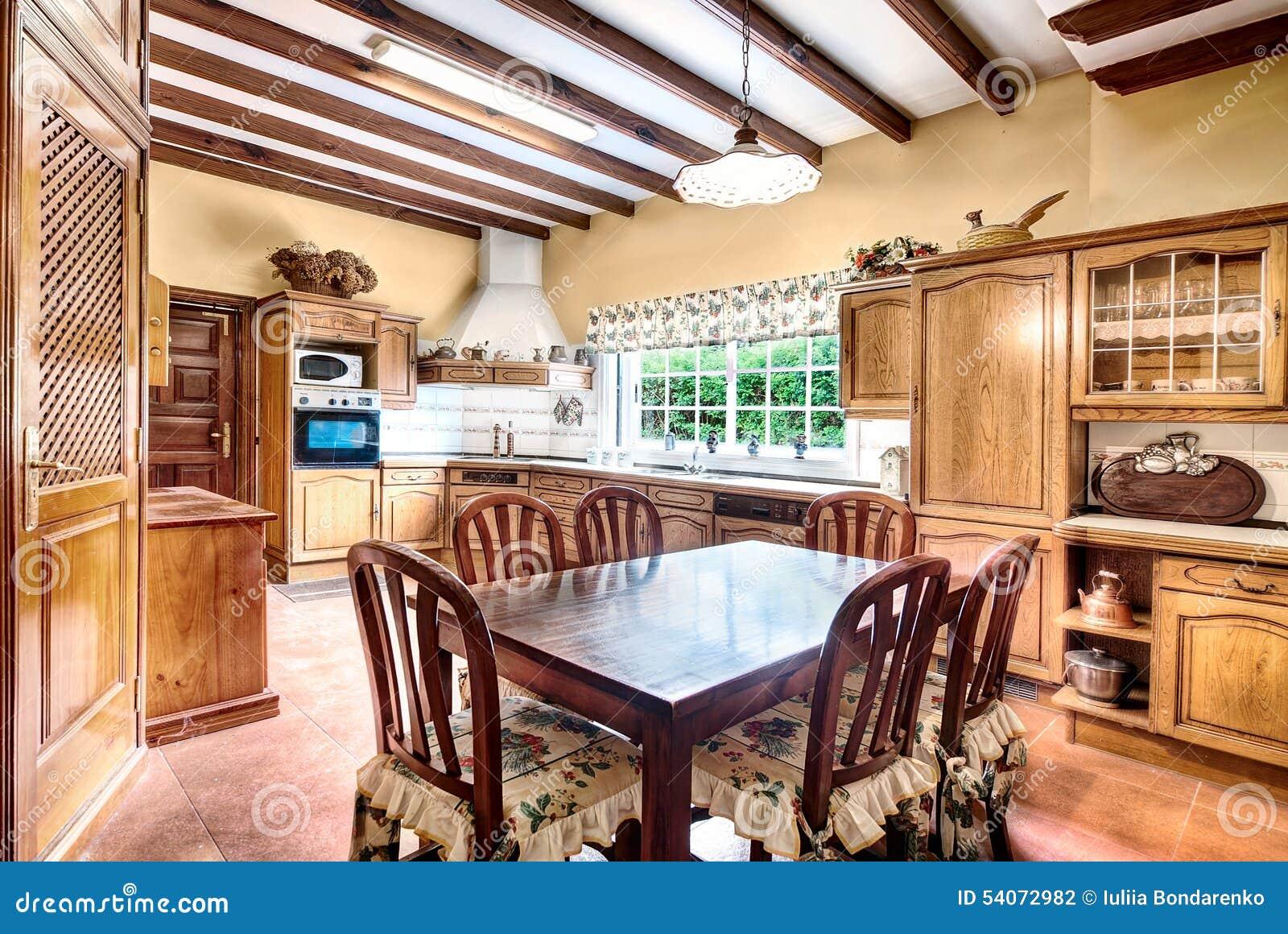 Cucina Stile Country Con Sala Da Pranzo Fotografia Stock