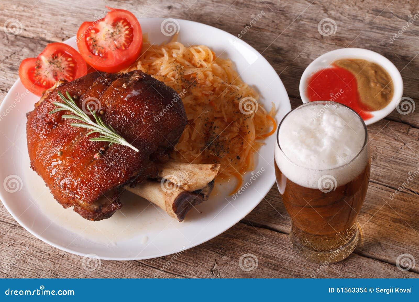 Cucina Tedesca Stinco Al Forno E Primo Piano E Birra Dei Crauti Fotografia Stock Immagine Di Cavolo Senape 61563354