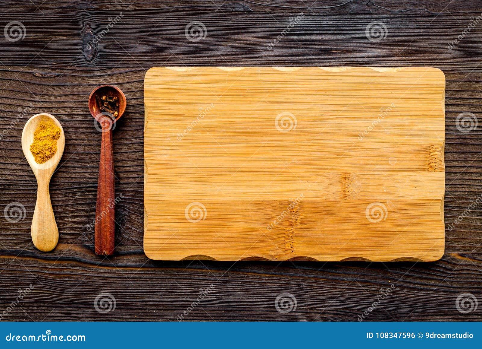 Credenza Con Tagliere : Cucini un pasto derisione su per il menu o la ricetta tagliere di
