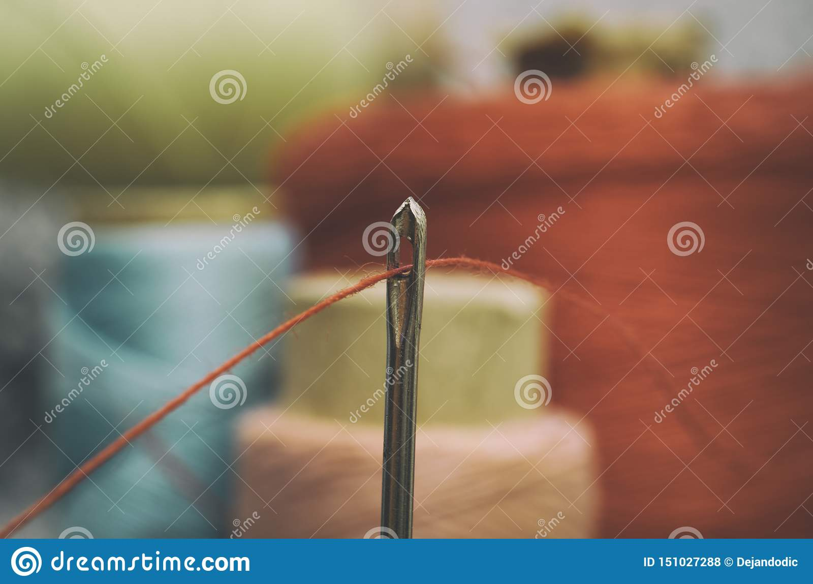 Cucito del filo e dell ago