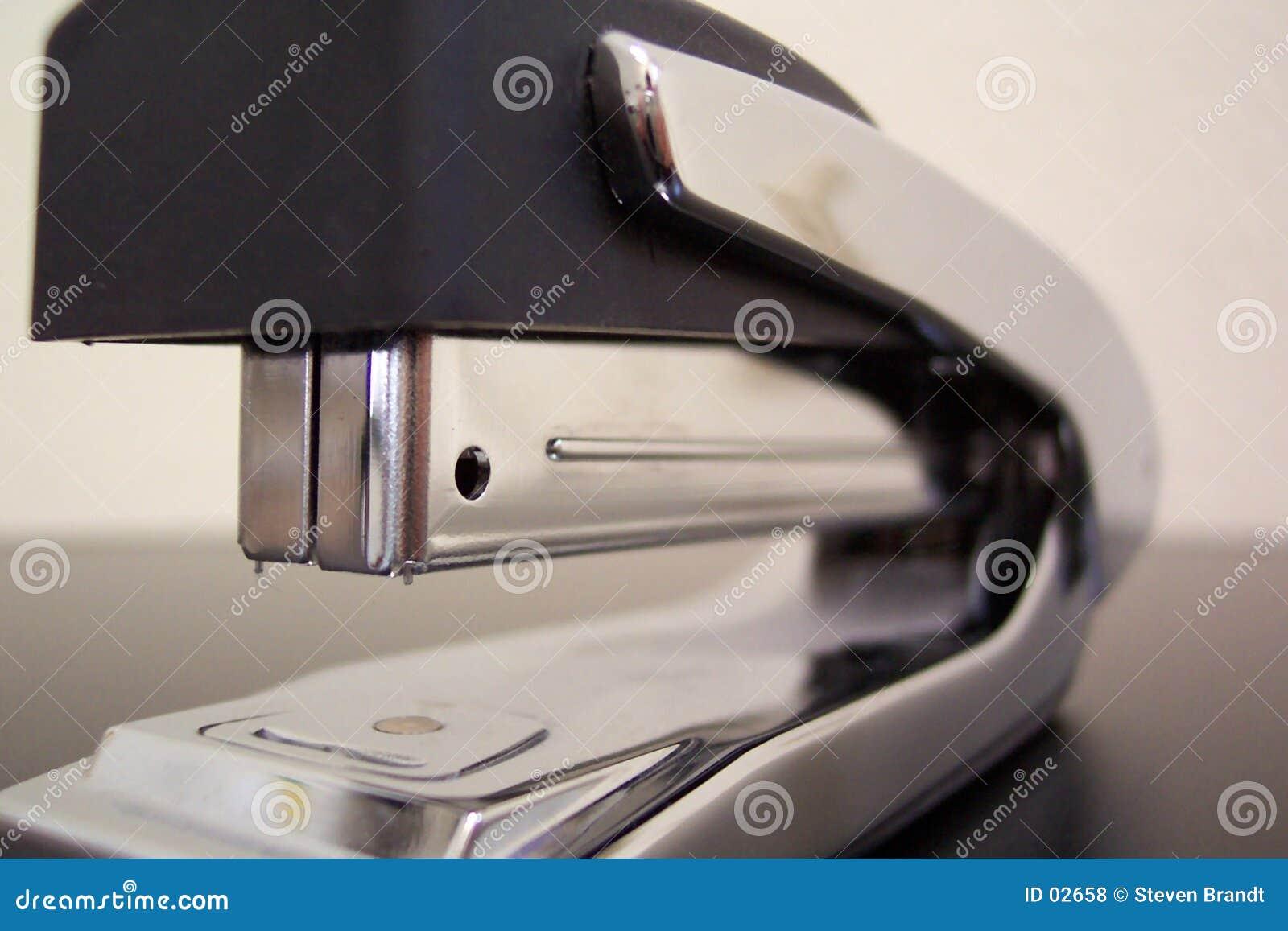 Cucitrice meccanica