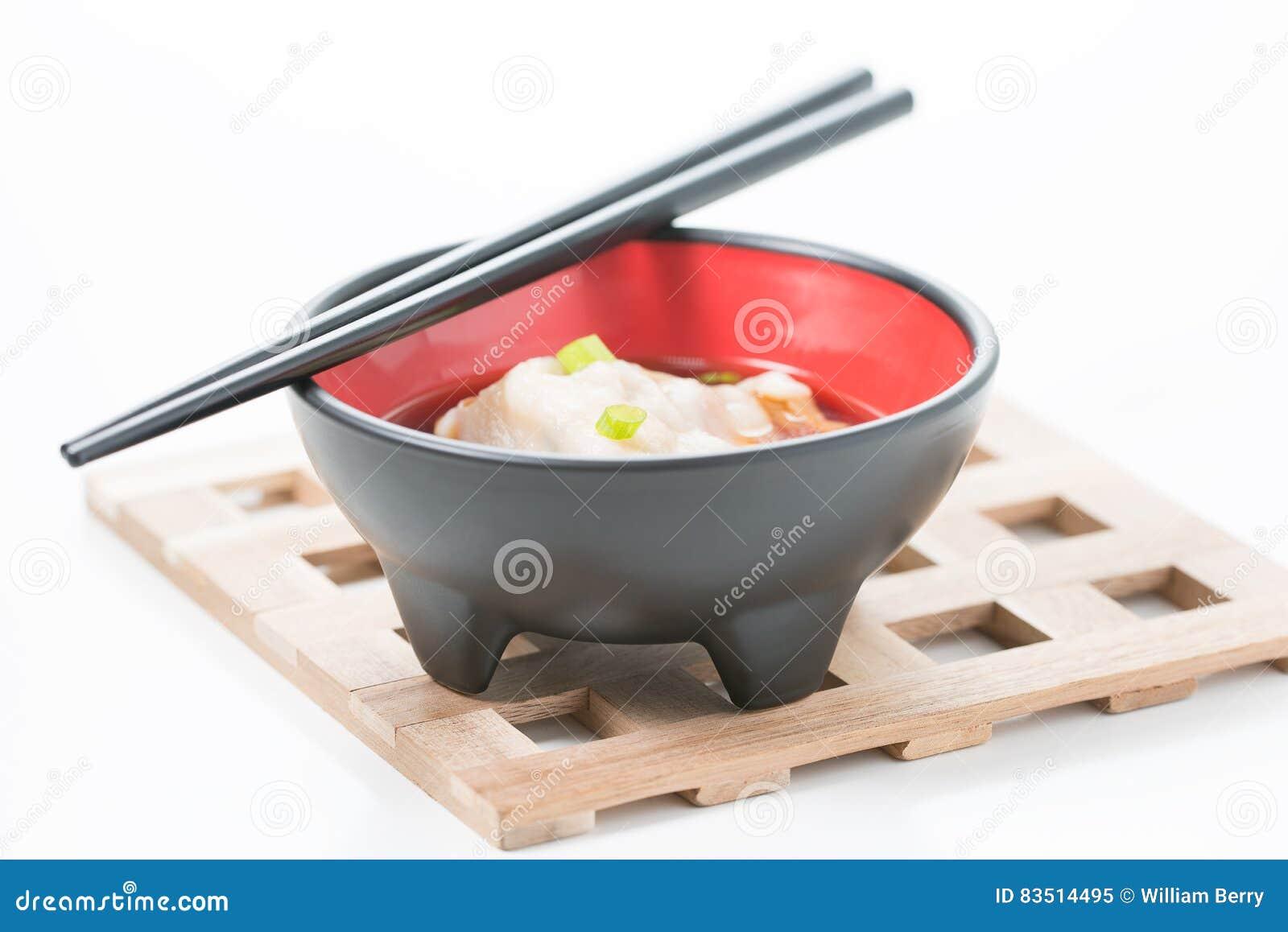 Cuenco de sopa de Wonton
