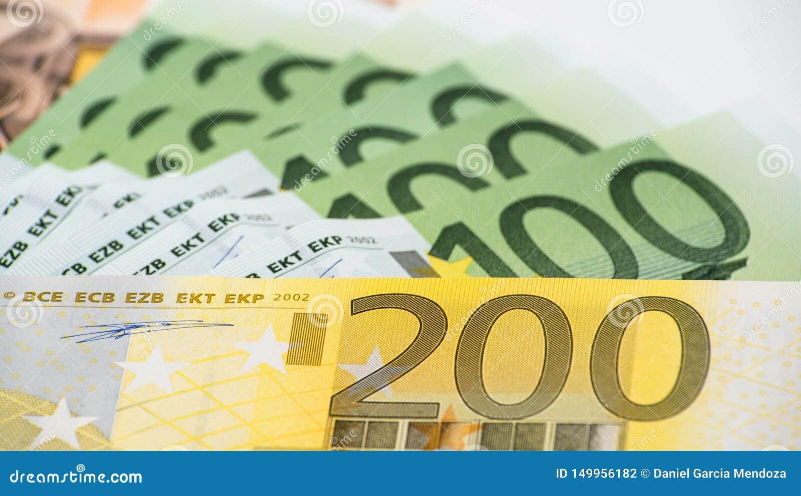 Cuentas de los euros de diversos valores Cuenta euro de dosciento