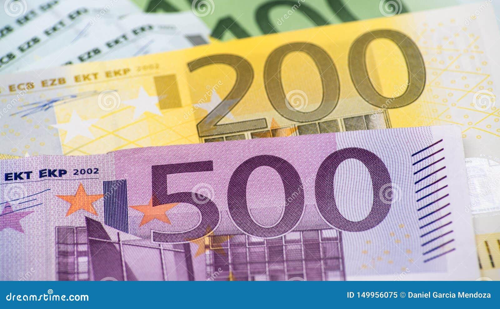 Cuentas de los euros de diversos valores Cuenta euro de quinientos