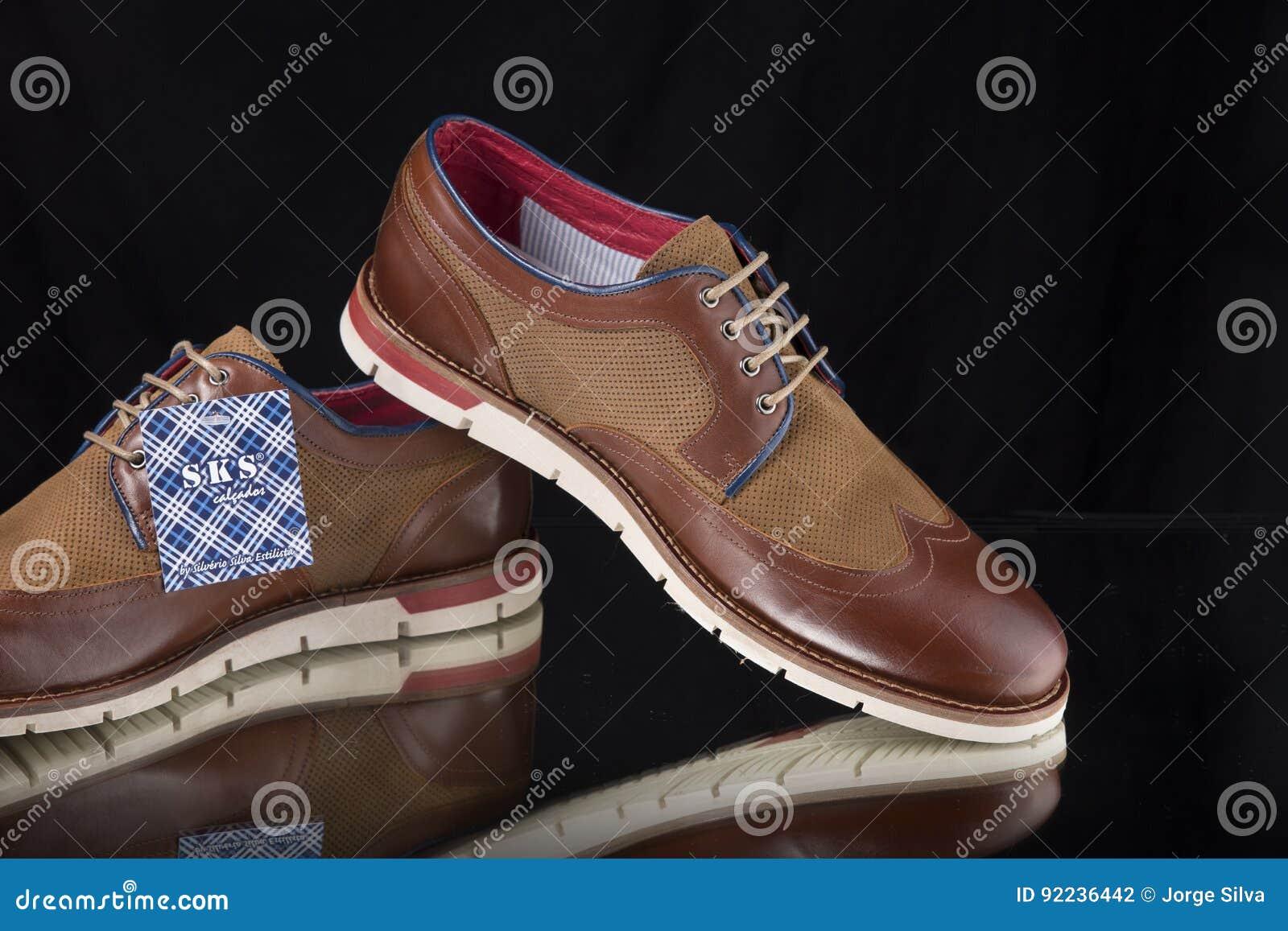 92236442 Fotografía Muchachas Zapatos De Cuero EditorialImagen bvYfy6I7gm