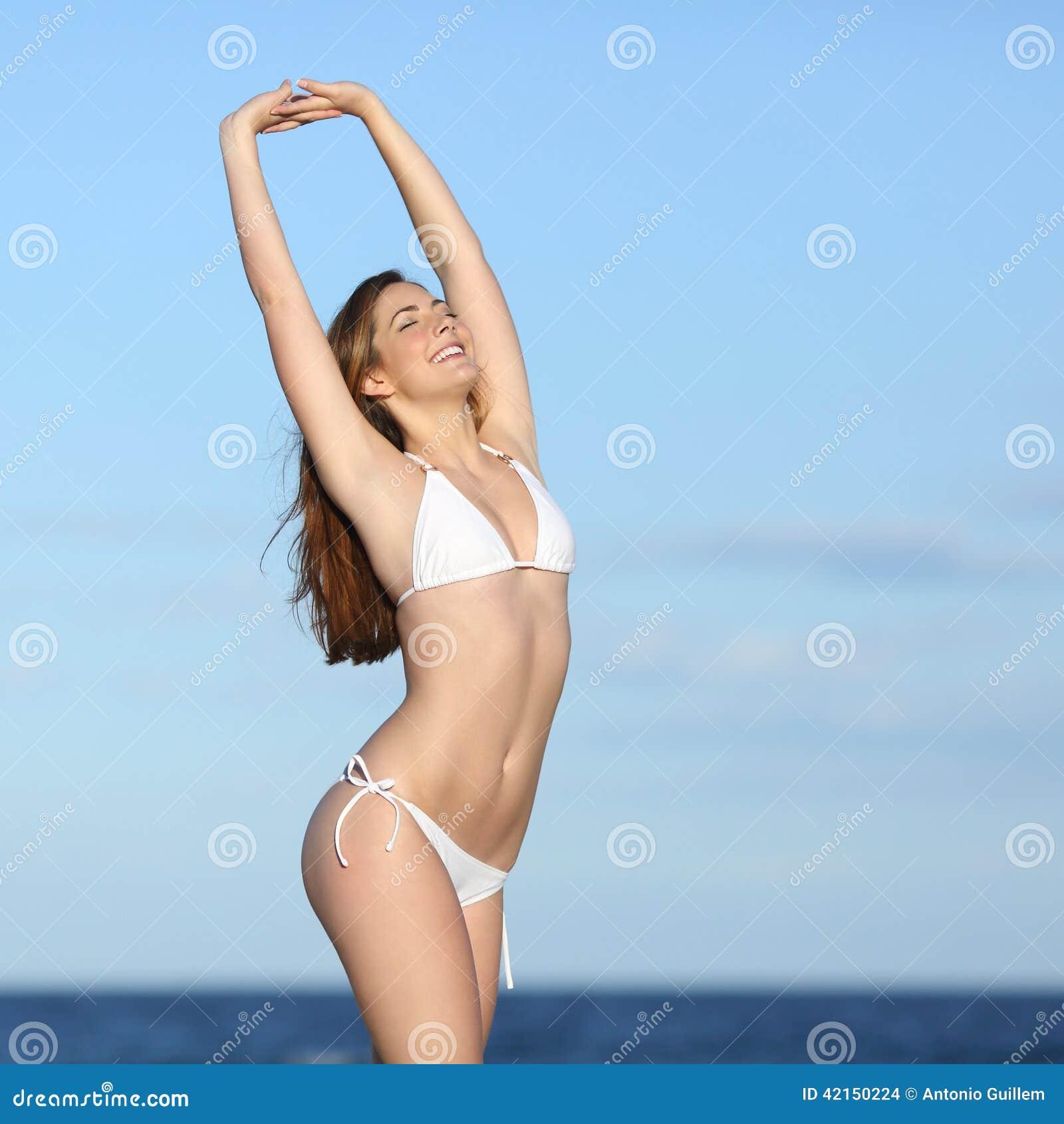 Que Bikini De Aptitud Blanco La Mujer Presenta Cuerpo El Con O0XNwnk8P