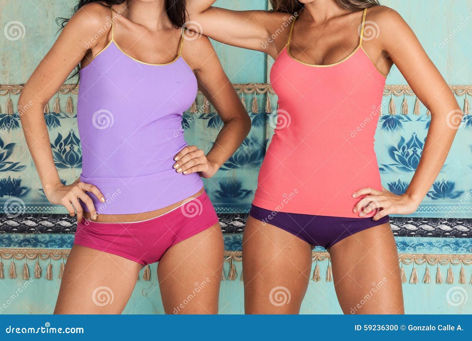 Download Cuerpos Hermosos De Las Mujeres Que Modelan La Ropa Interior Foto de archivo - Imagen de sensualidad, seductive: 59236300