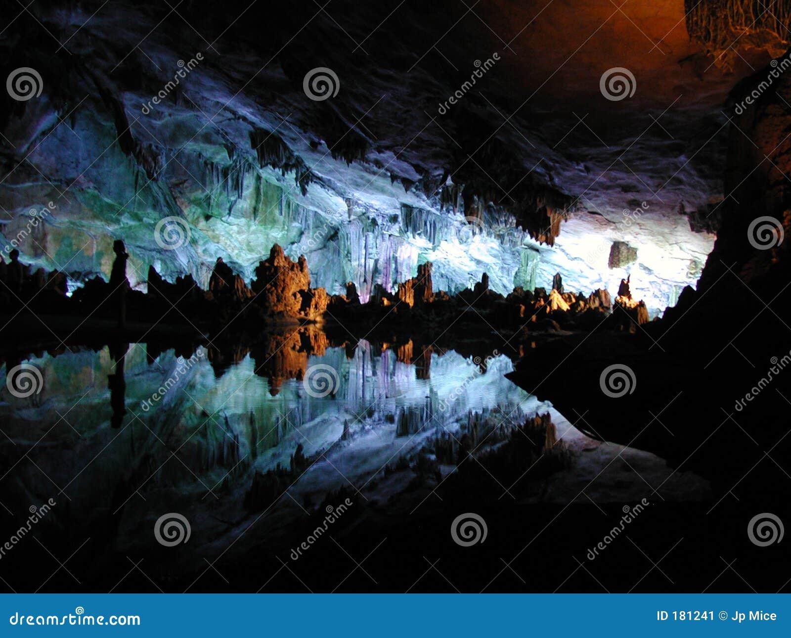 Cueva - estalactita