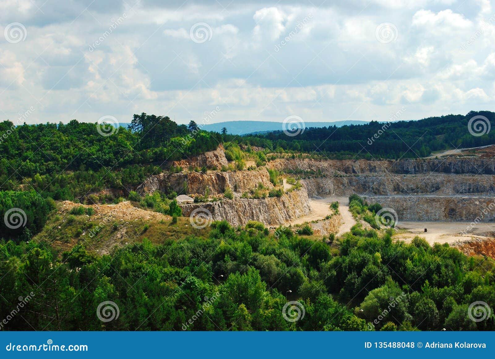 Cuevas de Koneprusy en la República Checa, verano