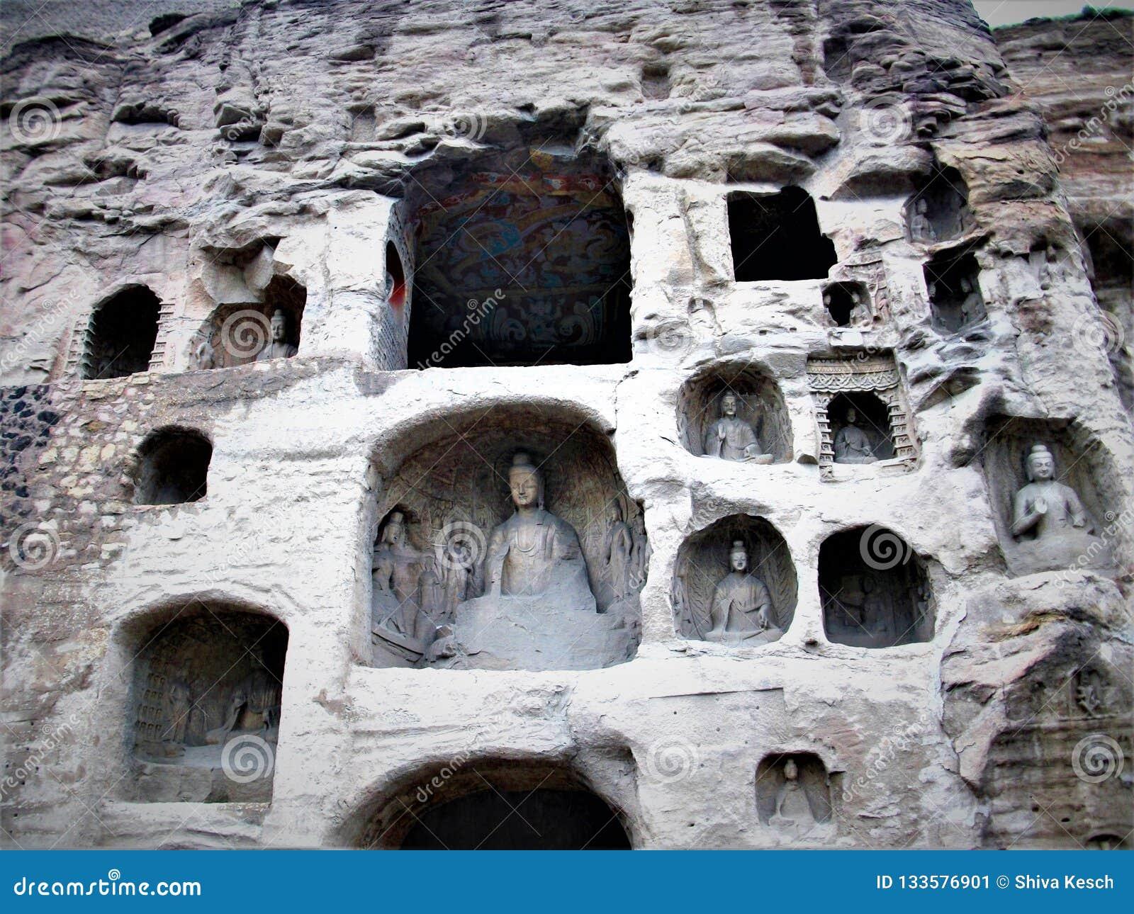 Cuevas de Mogao o mil grutas de Buda en Dunhuang, China