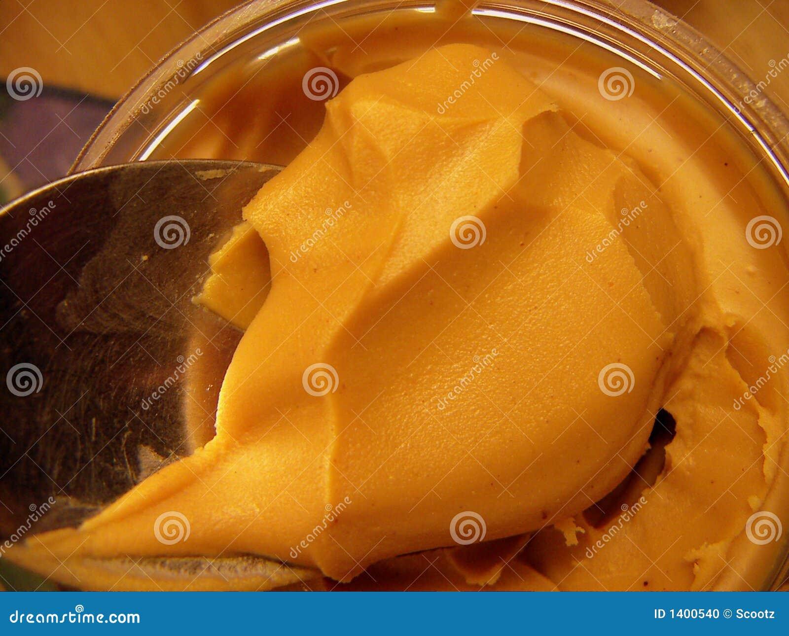 Cuillerée de beurre d arachide