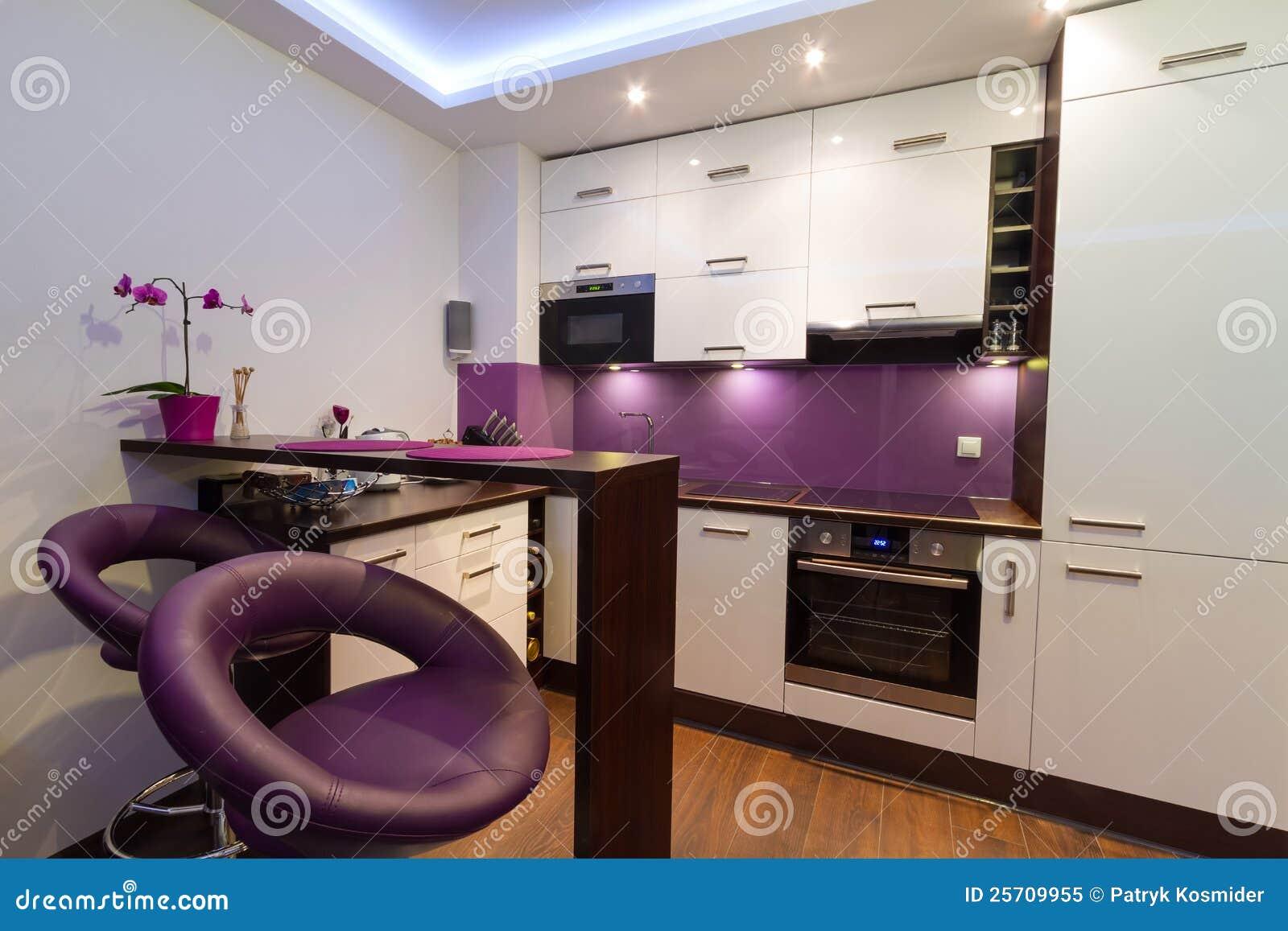 Cuisine blanche et pourpr e moderne image stock image du neuf mode 25709955 - Cuisine a et z ...