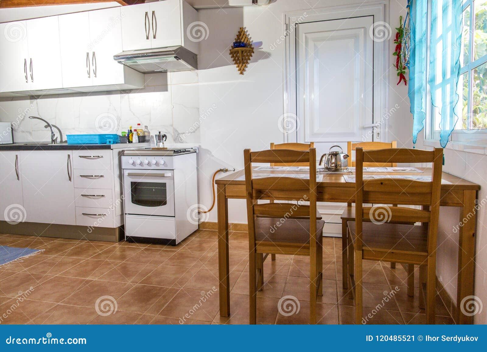 Cuisine Cuisine dans l appartement Rue Ligth