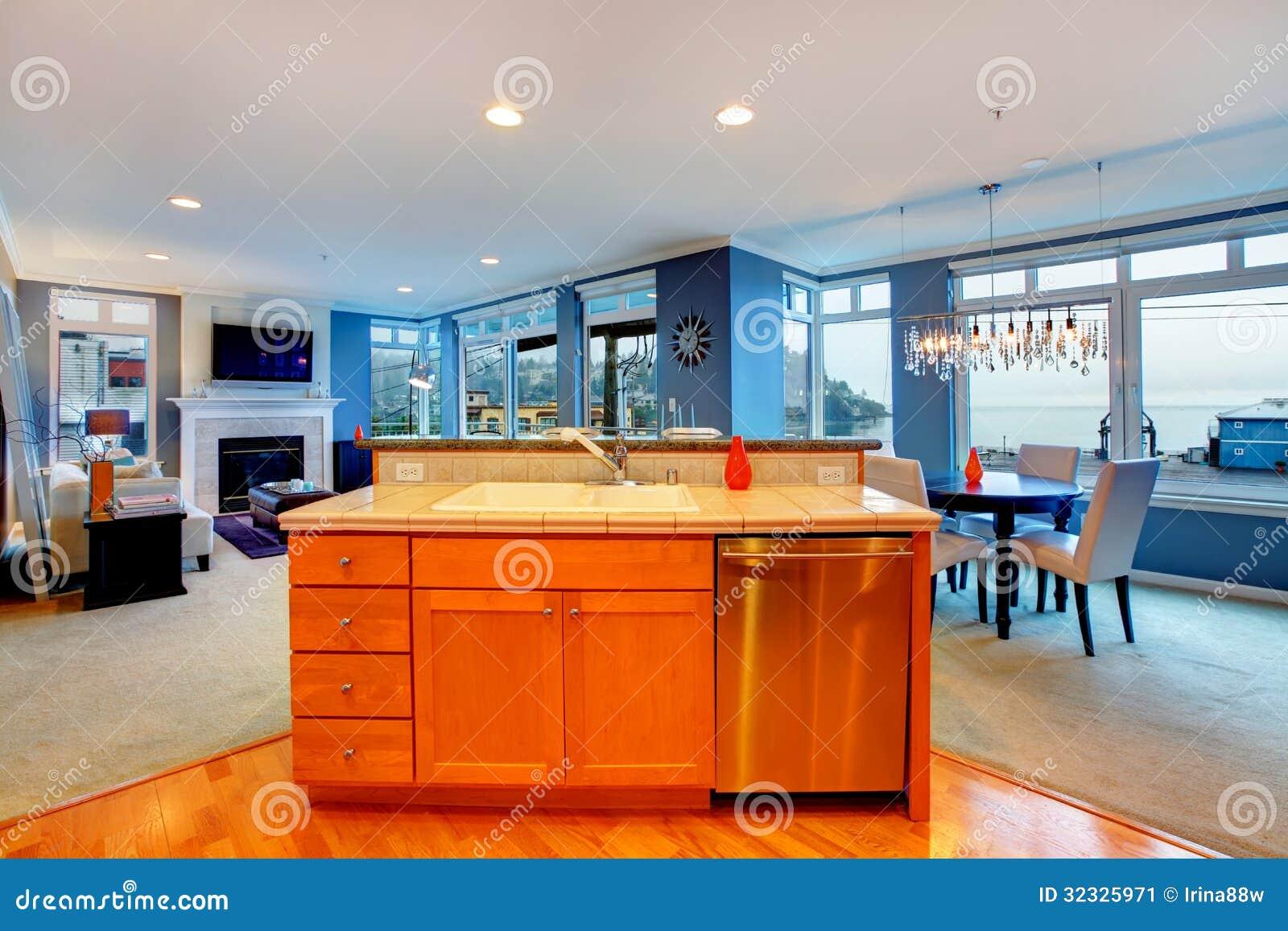 download cuisine en bois orange dappartement de ville avec la salle manger bleue