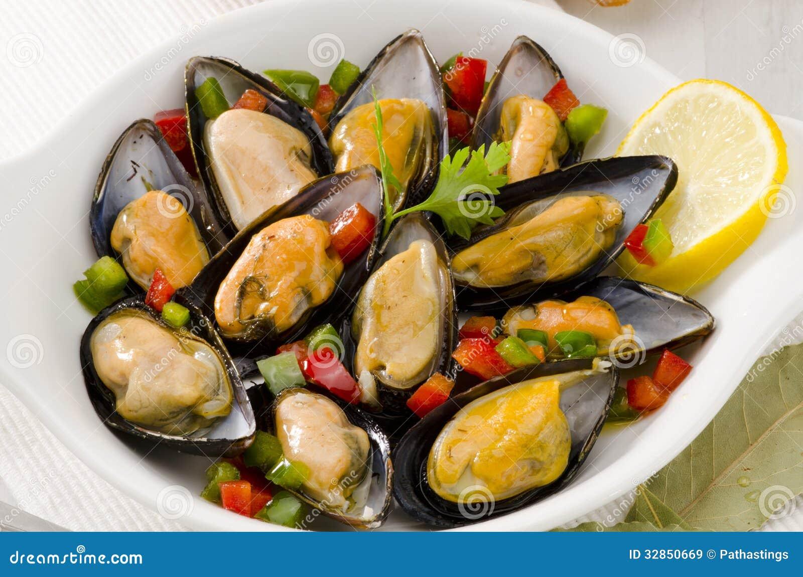 Cuisine espagnole moules en sauce mejillones une la - La cuisine en espagnol ...