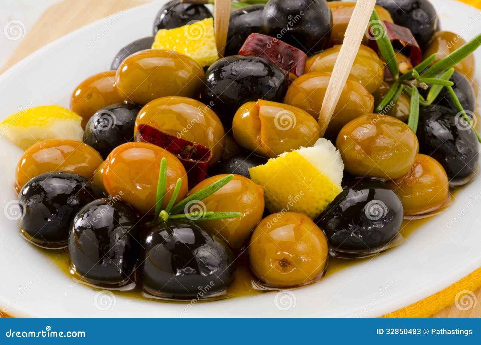 Cuisine espagnole olives marin es photos stock image - Cuisine espagnole tapas ...