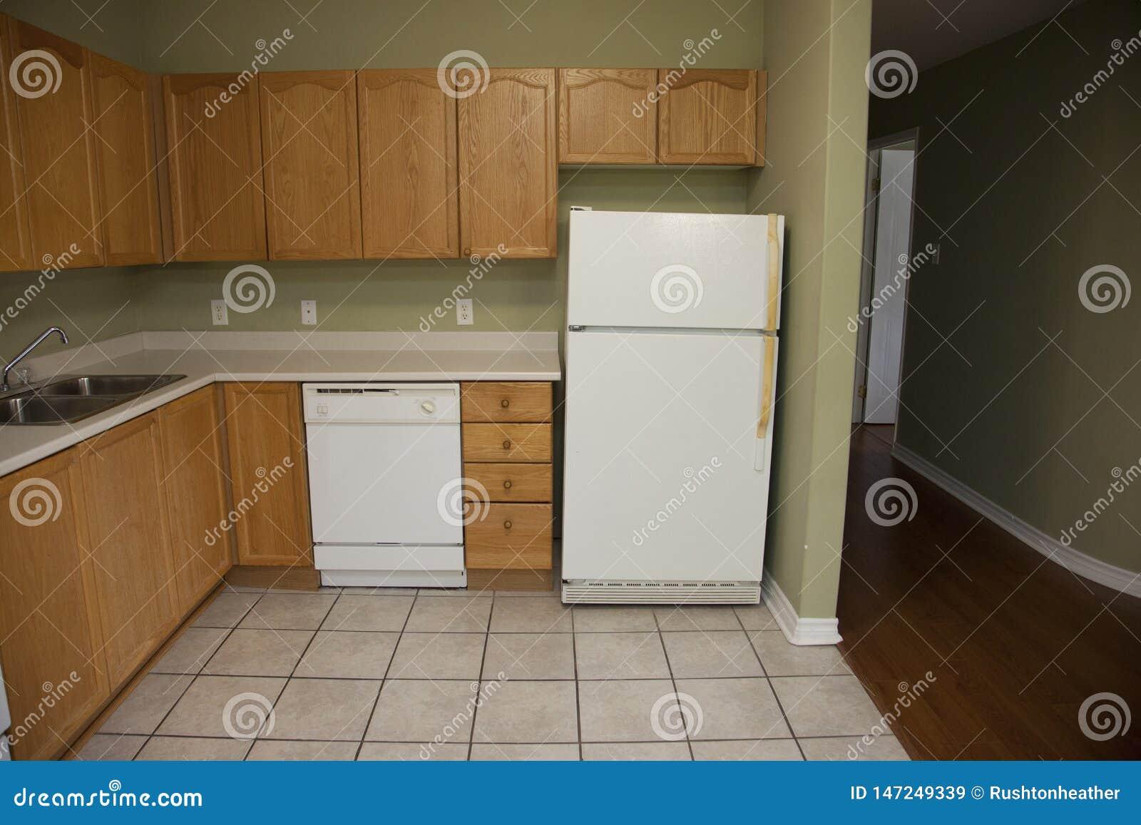 Cuisine Et Couloir D\'appartement Image stock - Image du ...