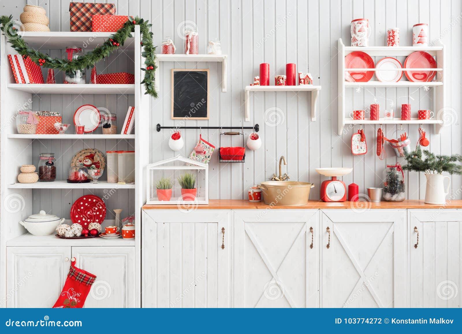 Cuisine Gris Clair cuisine gris-clair intérieure et décor rouge de noël
