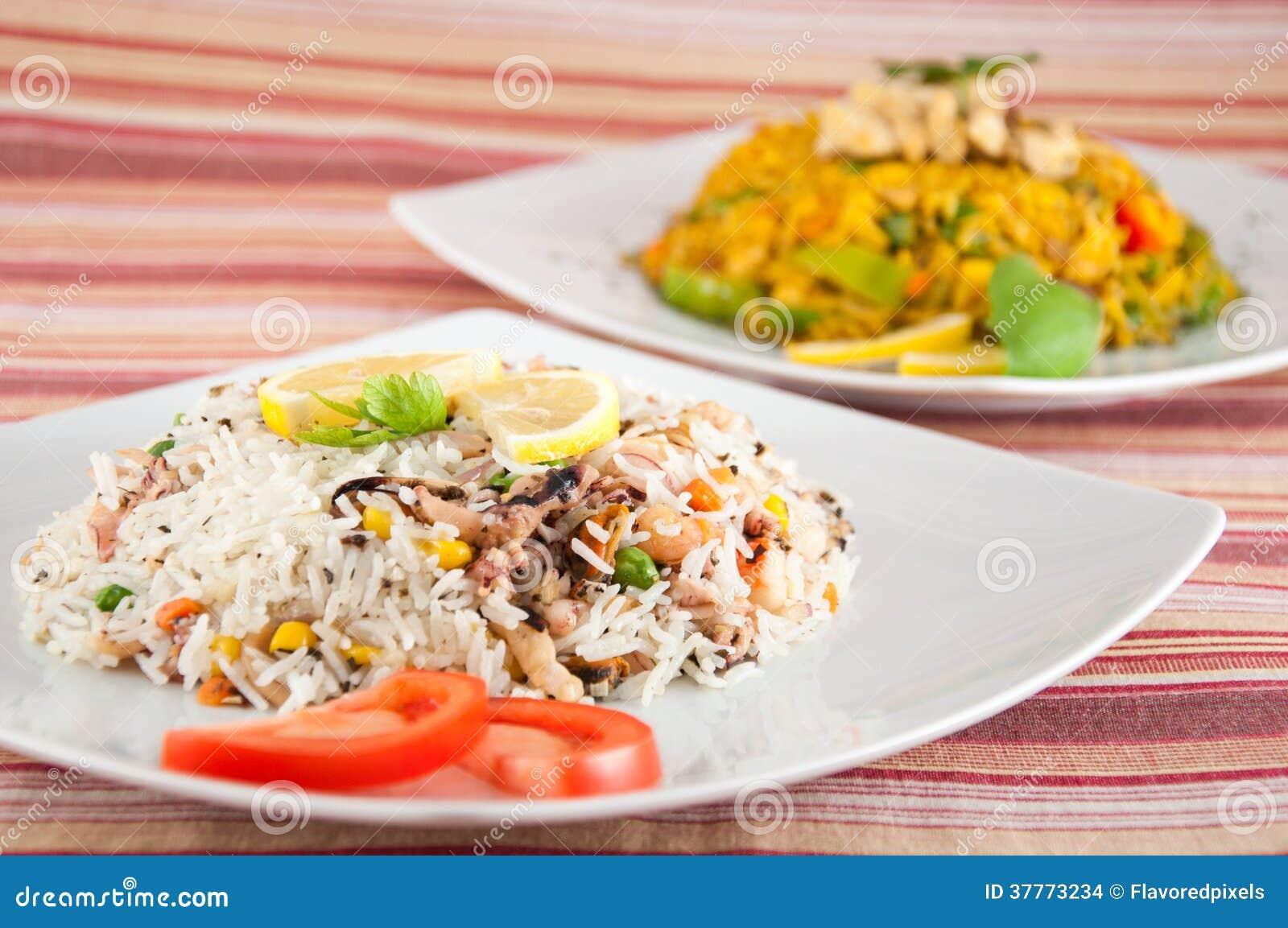 cuisine indienne - riz avec des fruits de mer images stock - image