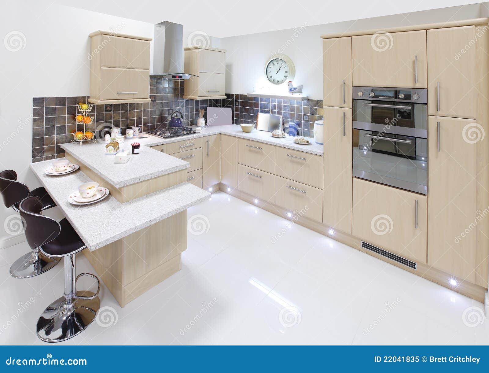 Cuisine Intérieure à La Maison Moderne Image stock - Image ...