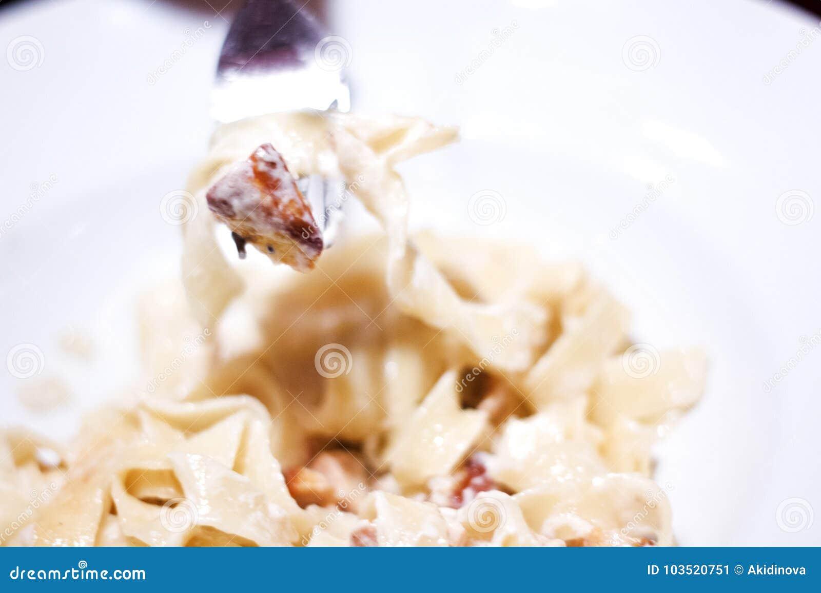 Cuisine Italienne Pates Sur La Fourchette Pates Avec L Huile D Olive