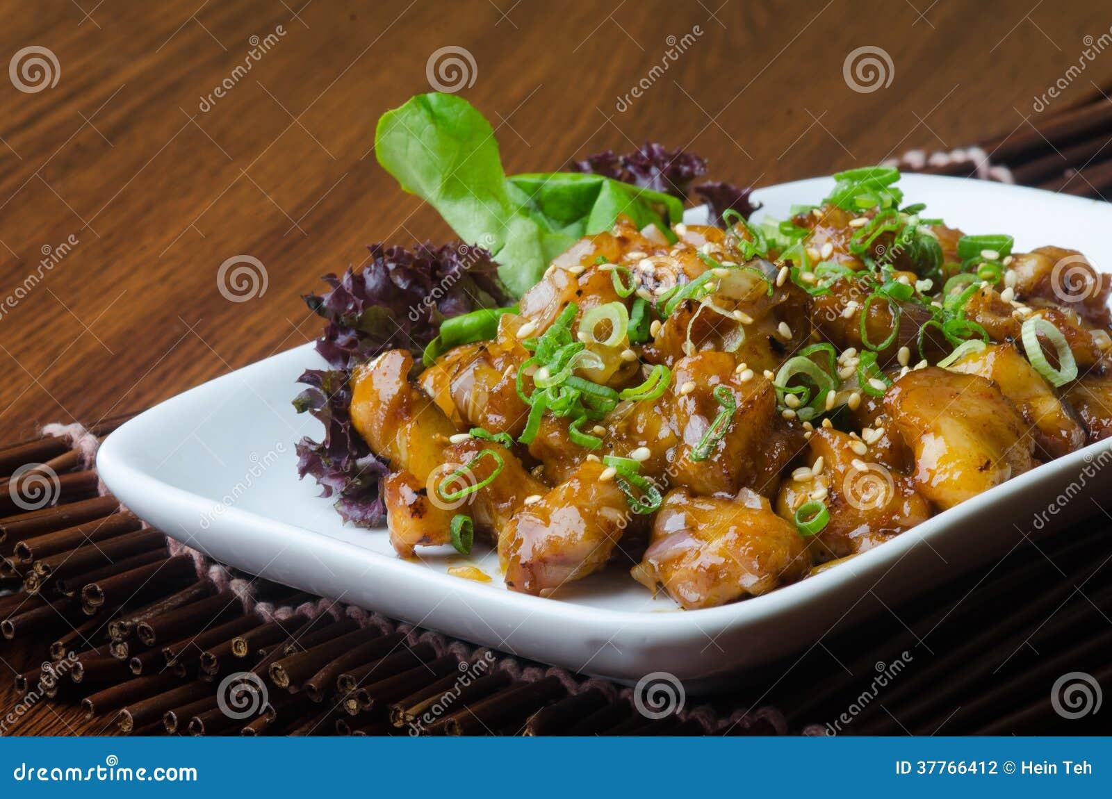 Cuisine japonaise poulet de sauce friture sur le fond for Cuisine de a a z