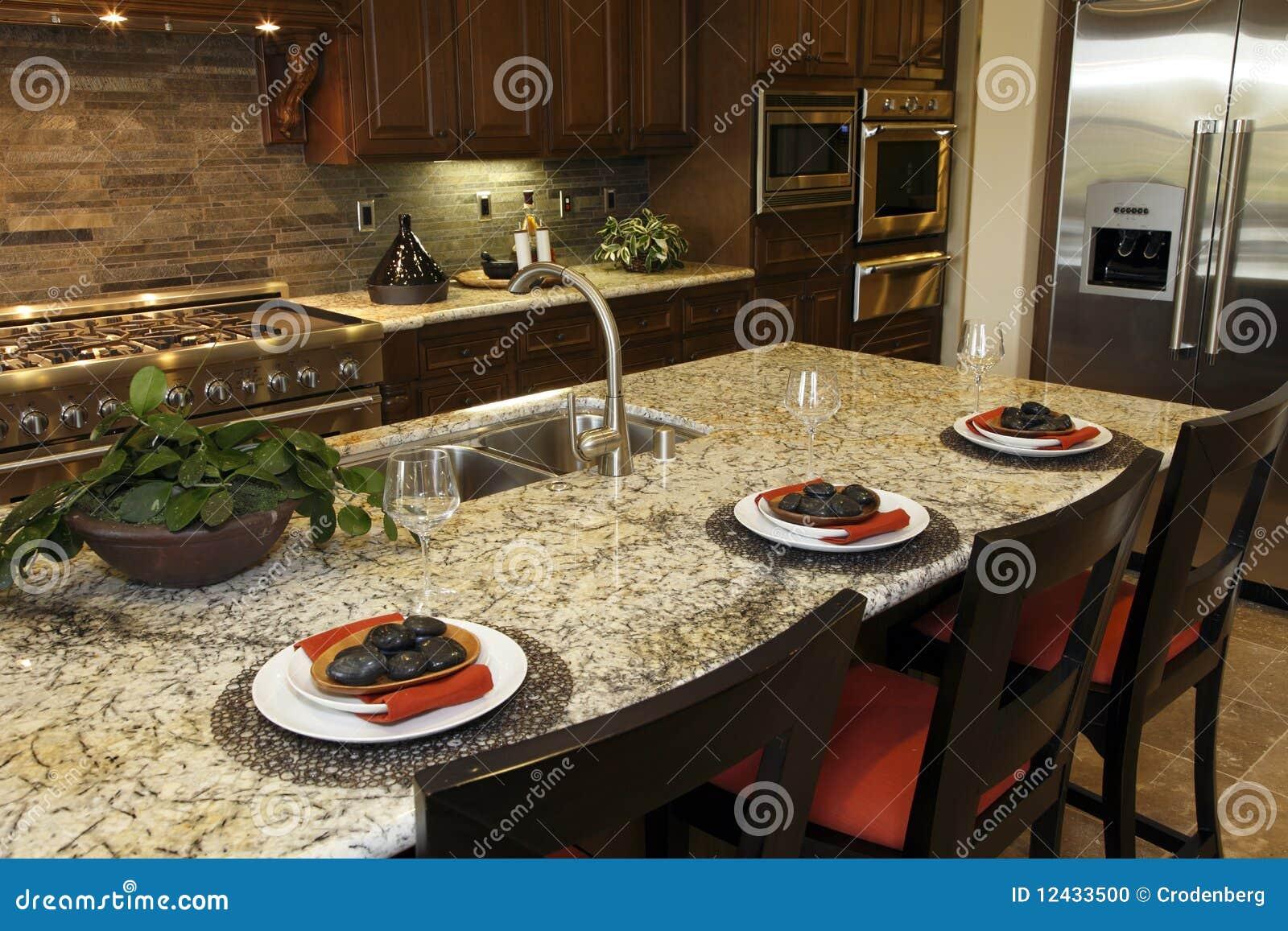 Cuisine luxueuse photo stock image 12433500 - Cuisine avec presqu ile ...