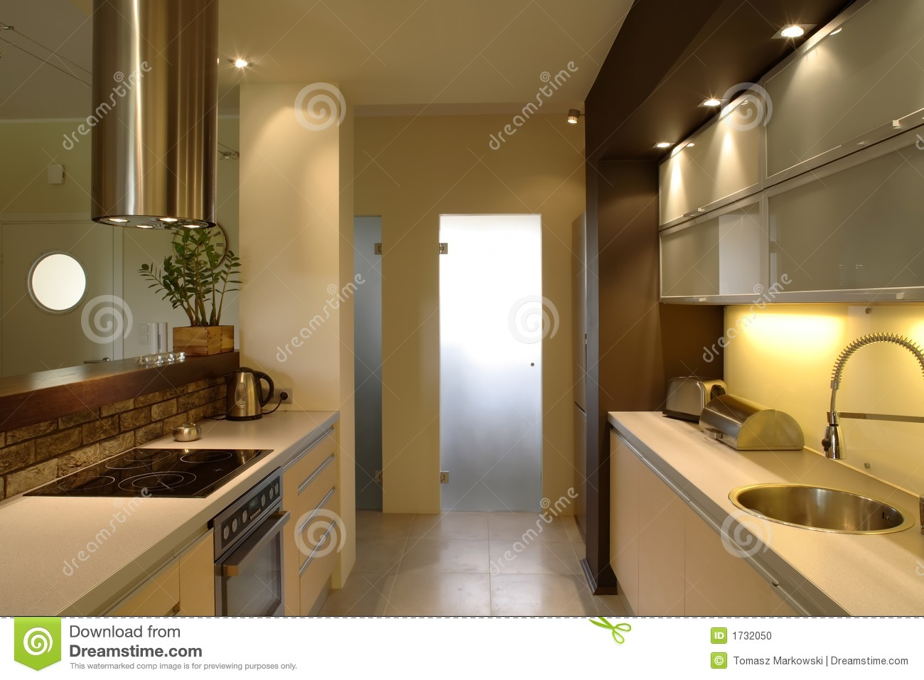Cuisine moderne d 39 appartement photo stock image 1732050 for Cuisine moderne pour appartement