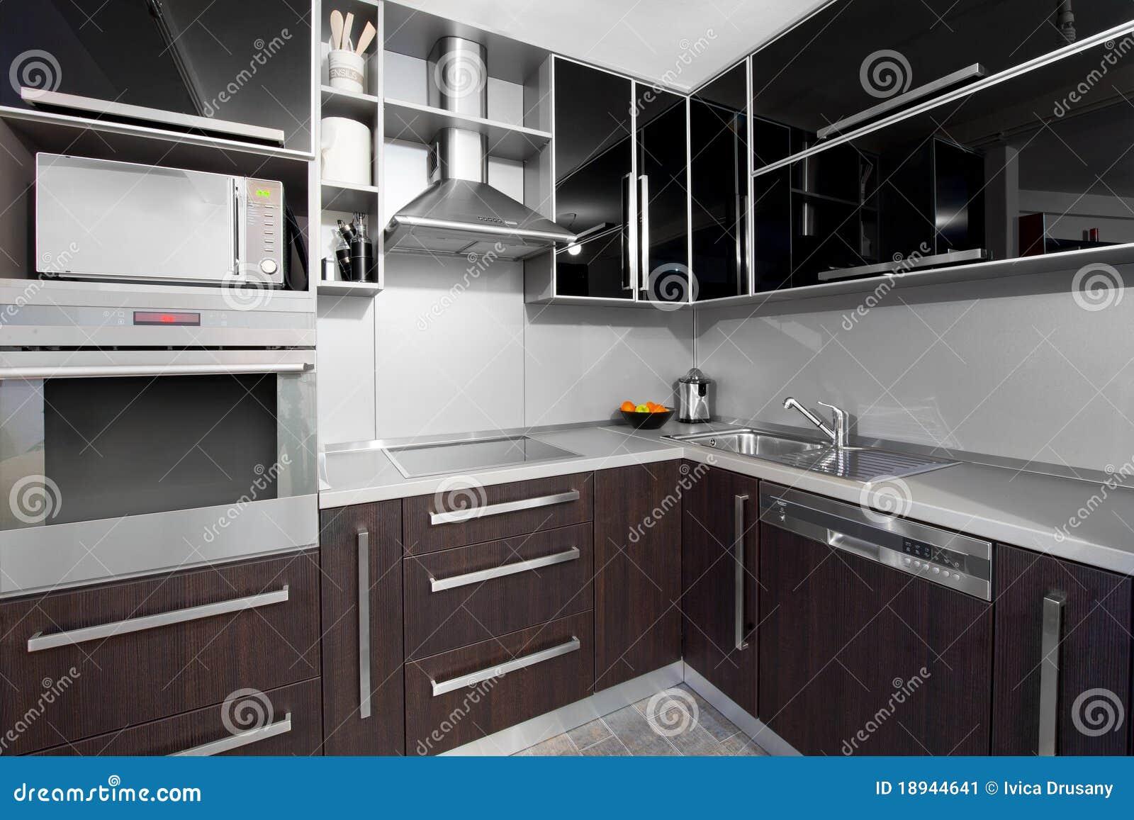Cuisine Moderne Dans Des Couleurs De Noir Et De Wenge Image Stock Image 18944641