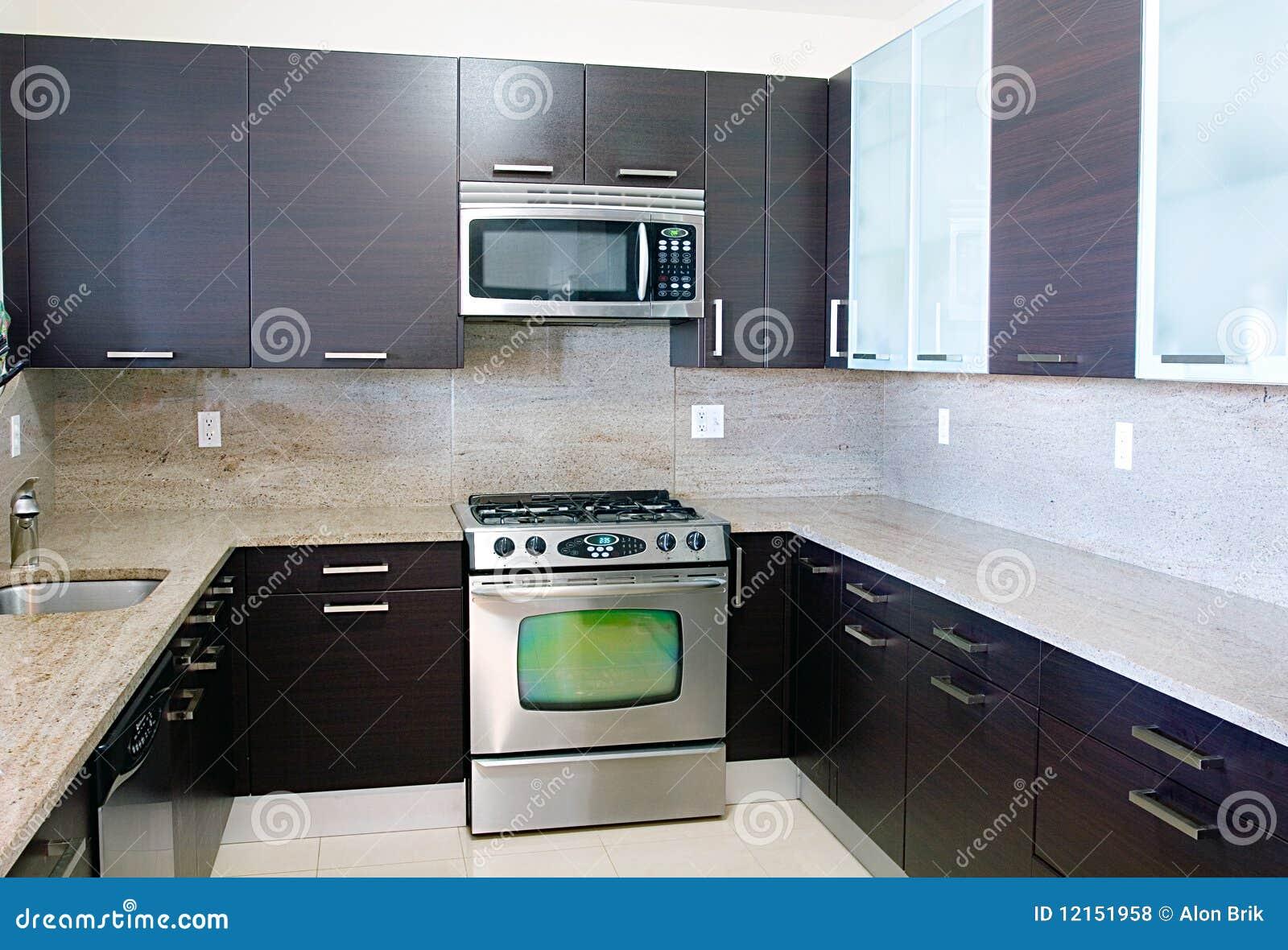 Cuisine moderne de type contemporain avec le dessus de for Images cuisine moderne