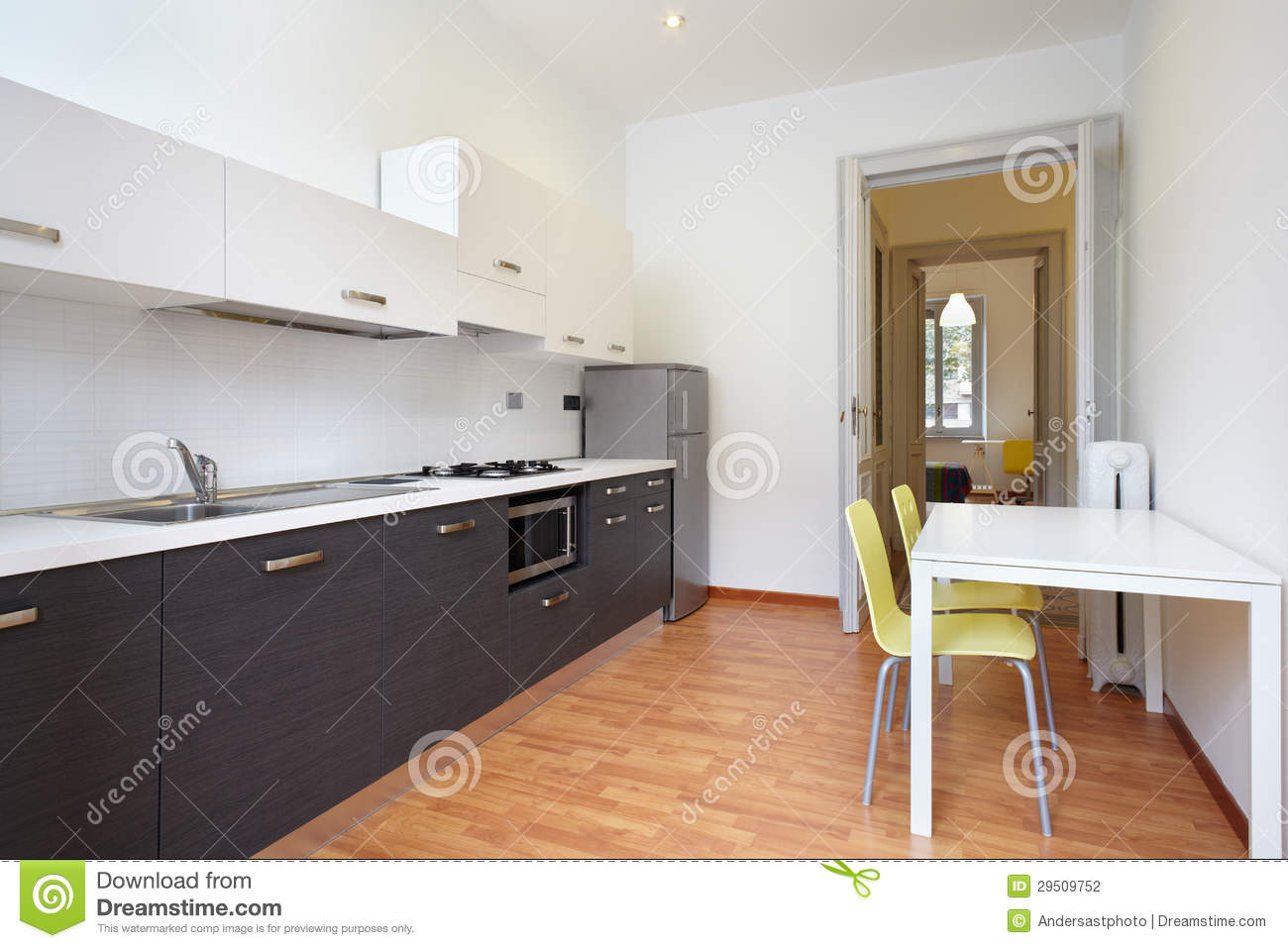 cuisine moderne en appartement neuf photo stock image