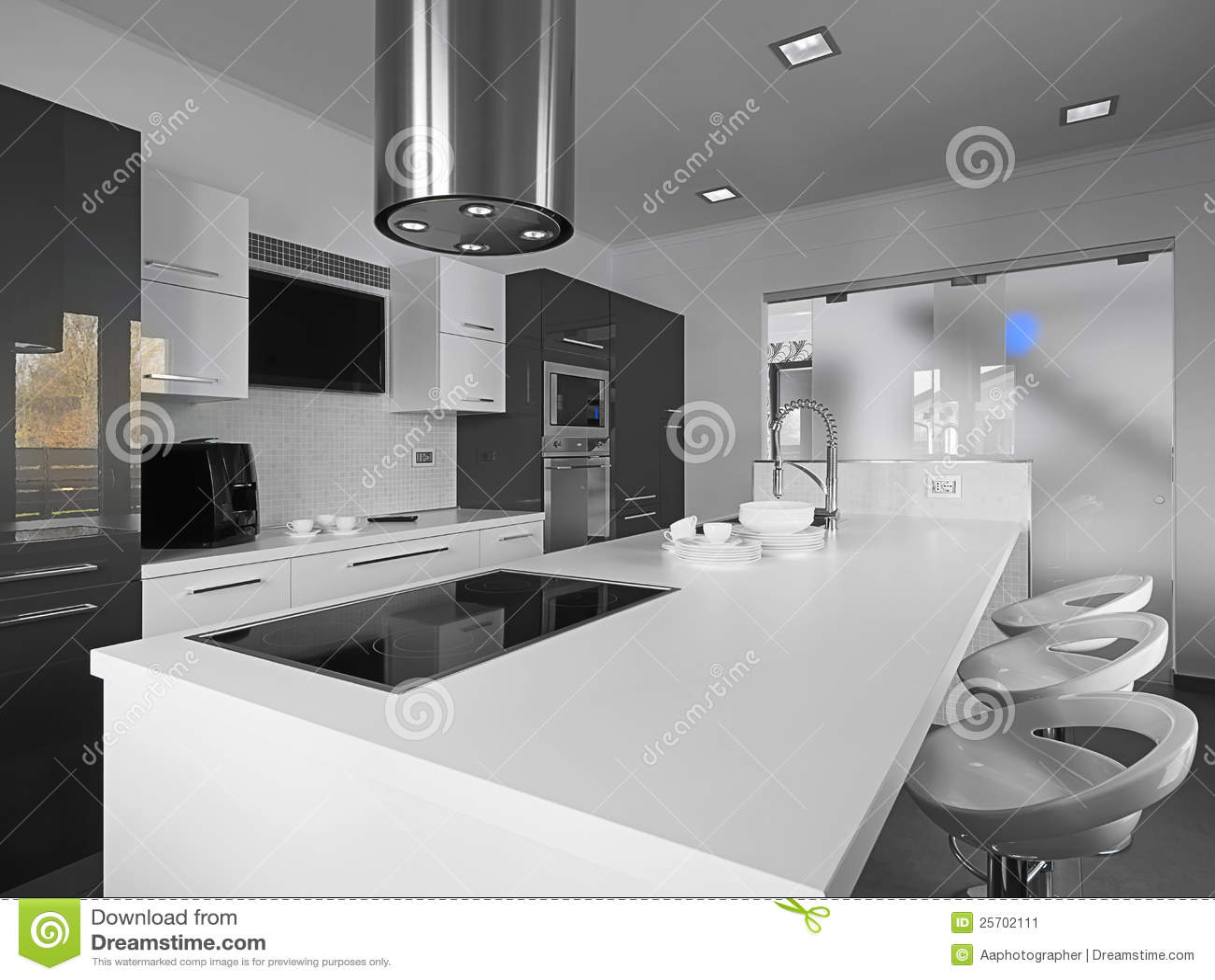 Cuisine moderne en noir et blanc image stock image 25702111 for Cuisine moderne en blanc