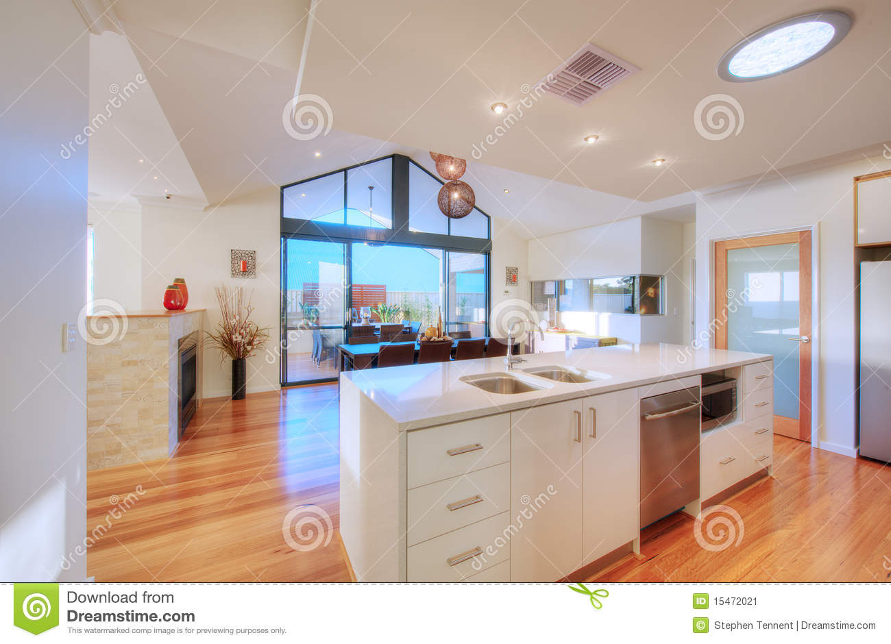 Cuisine open plan moderne luxueuse image stock   image: 15472021