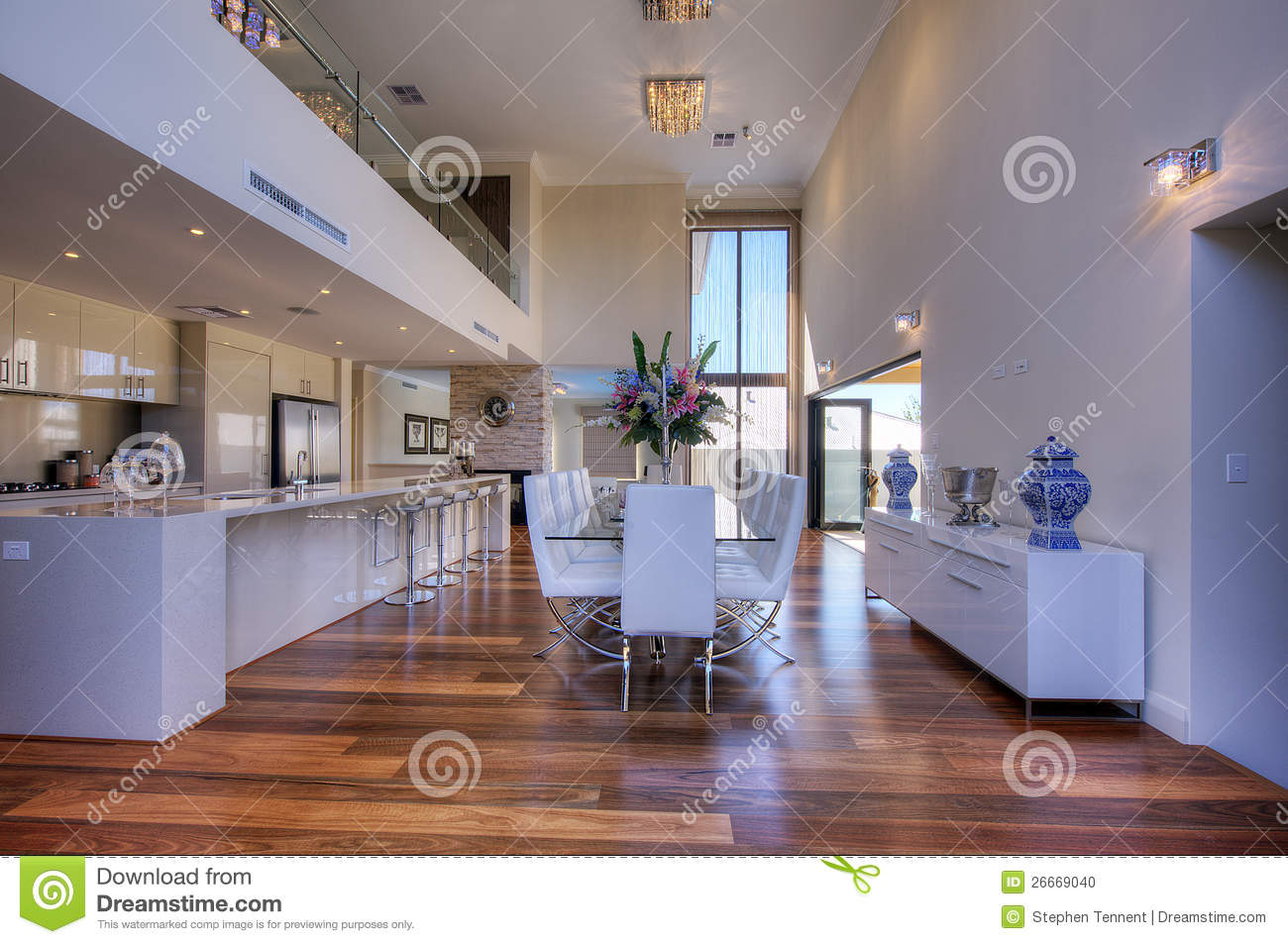 Cuisine open plan moderne luxueuse photo stock   image: 26669040