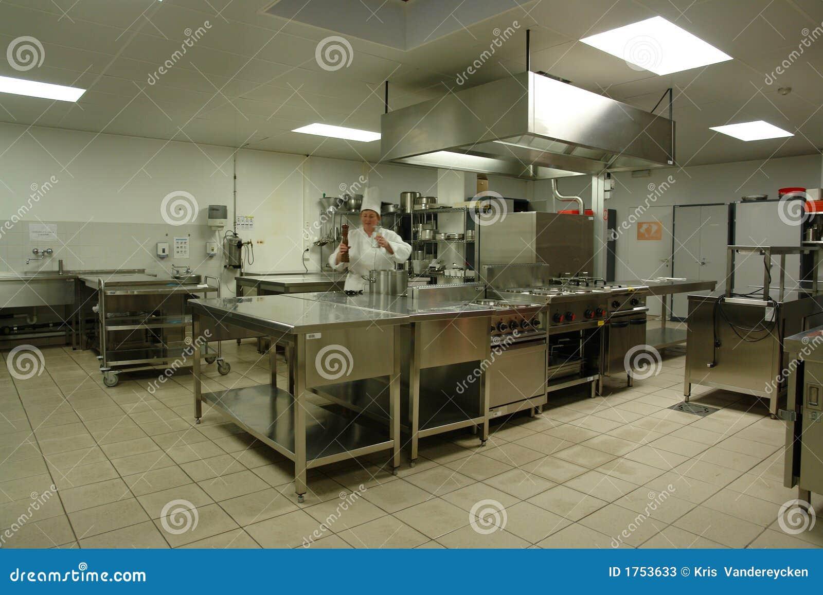 Cuisine professionnelle avec le cuisinier de chef photos - Plan cuisine professionnelle ...