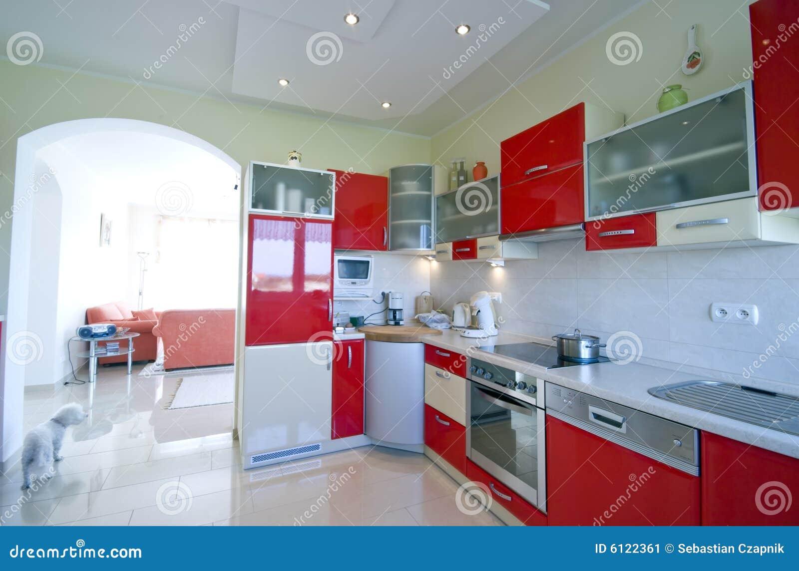 Cuisine rouge image stock image 6122361 for Cuisine bois et rouge