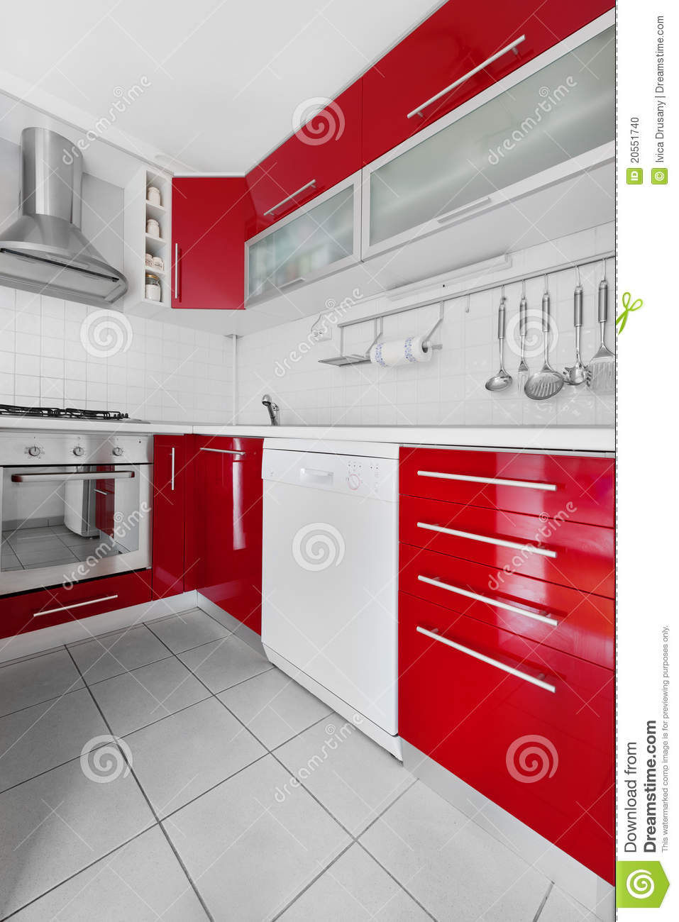 Cuisine rouge et blanche moderne photo stock image 20551740 for Cuisine blanche et rouge