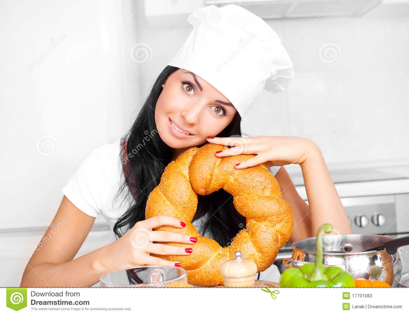 Cuisinier avec du pain photos stock image 17701083 for Cuisinier 2010