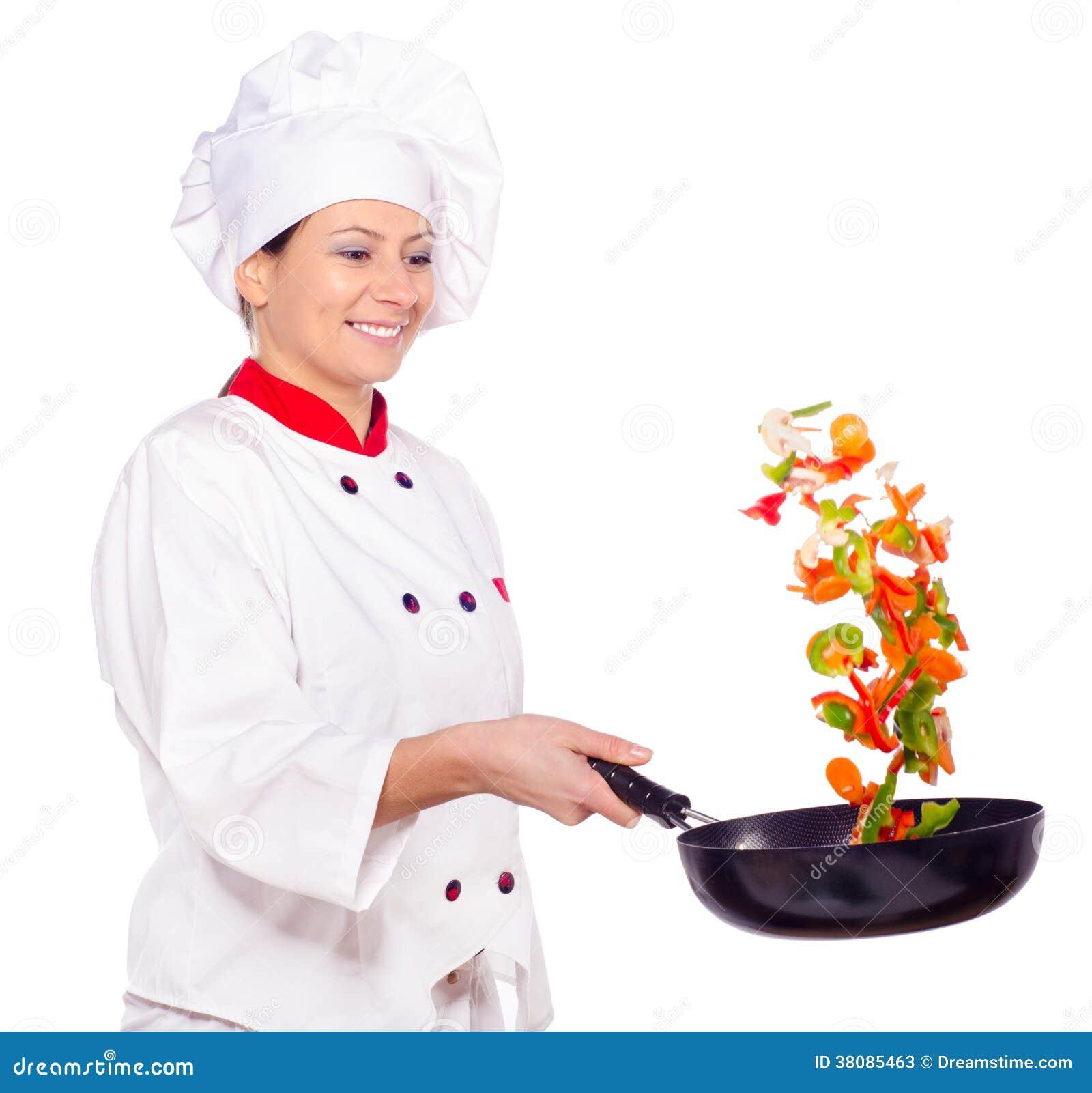Cuisinier f minin faisant frire des l gumes dans le wok for Cuisinier wok