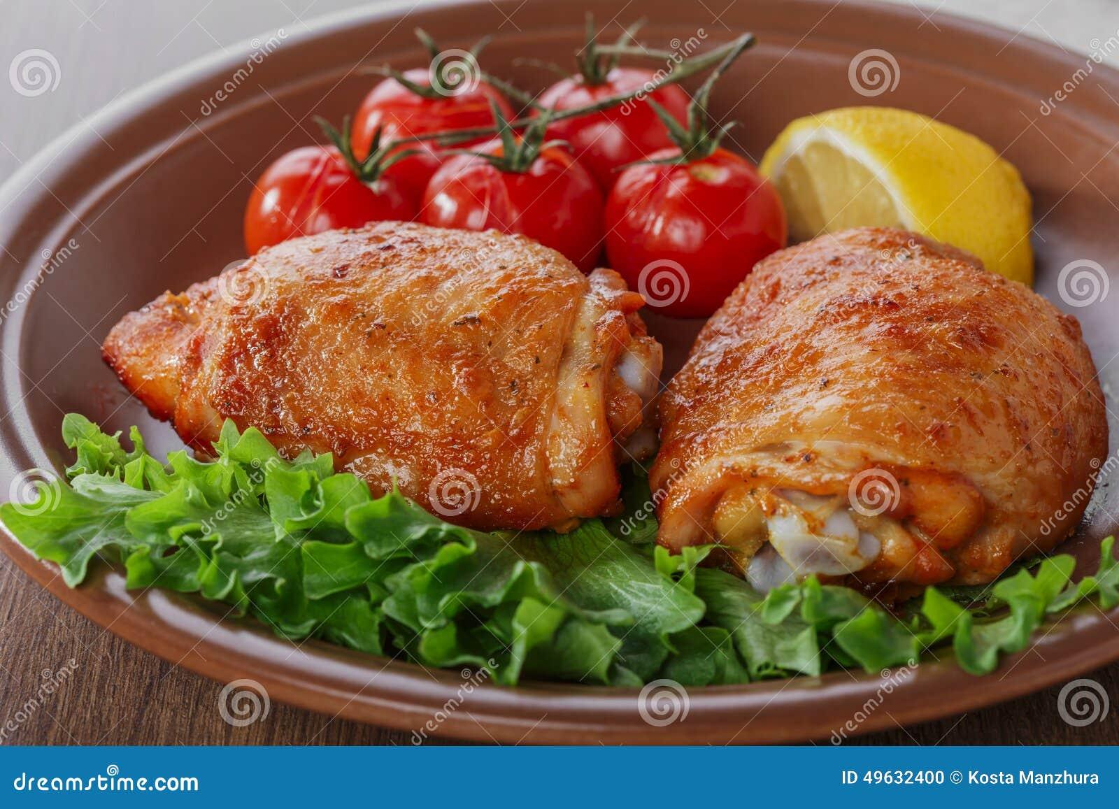 Cuisse cuite au four de poulet photo stock image du patte baked 49632400 - Cuisse de poulet grille au four ...