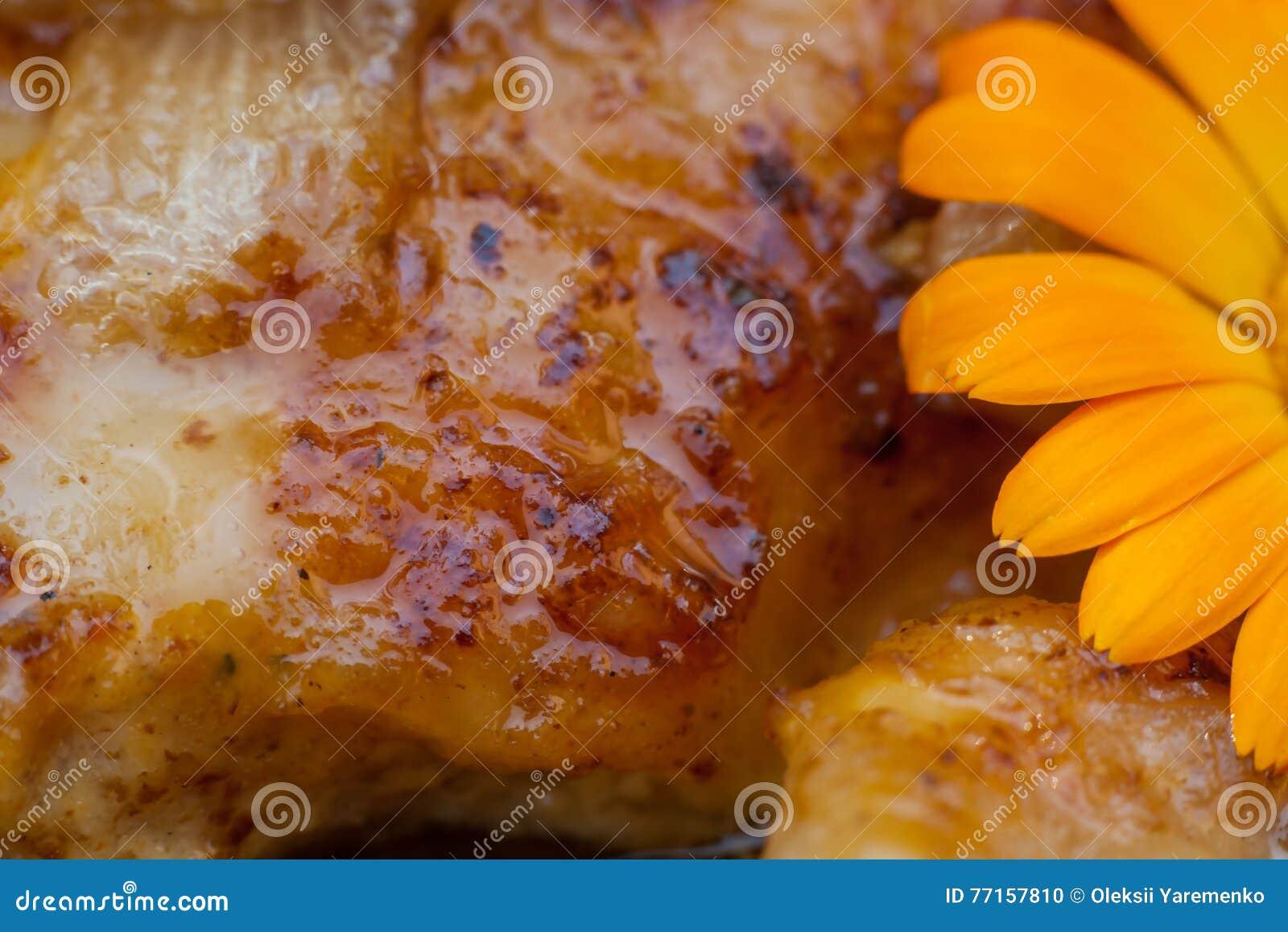 Cuisses grillées de poulet Viande frite savoureuse