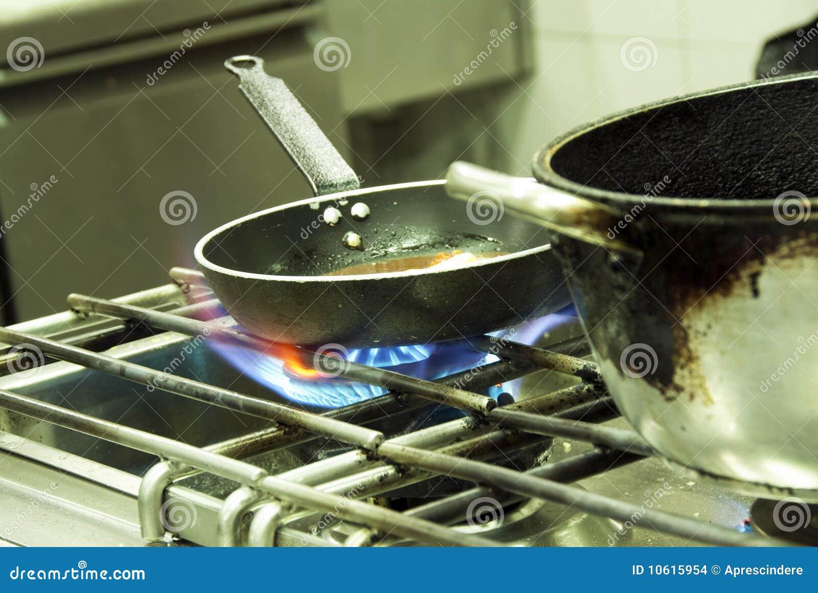 Cuisson dans une cuisine