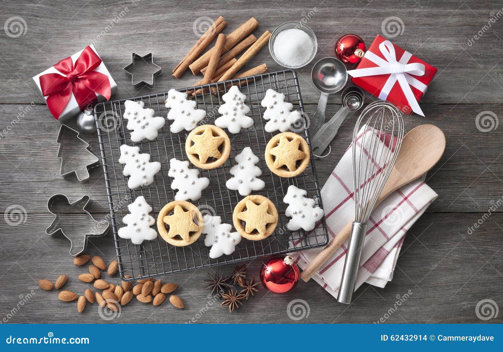 Cuisson de biscuits de Noël