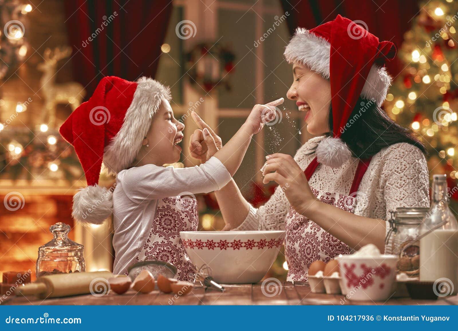 Cuisson des biscuits de Noël