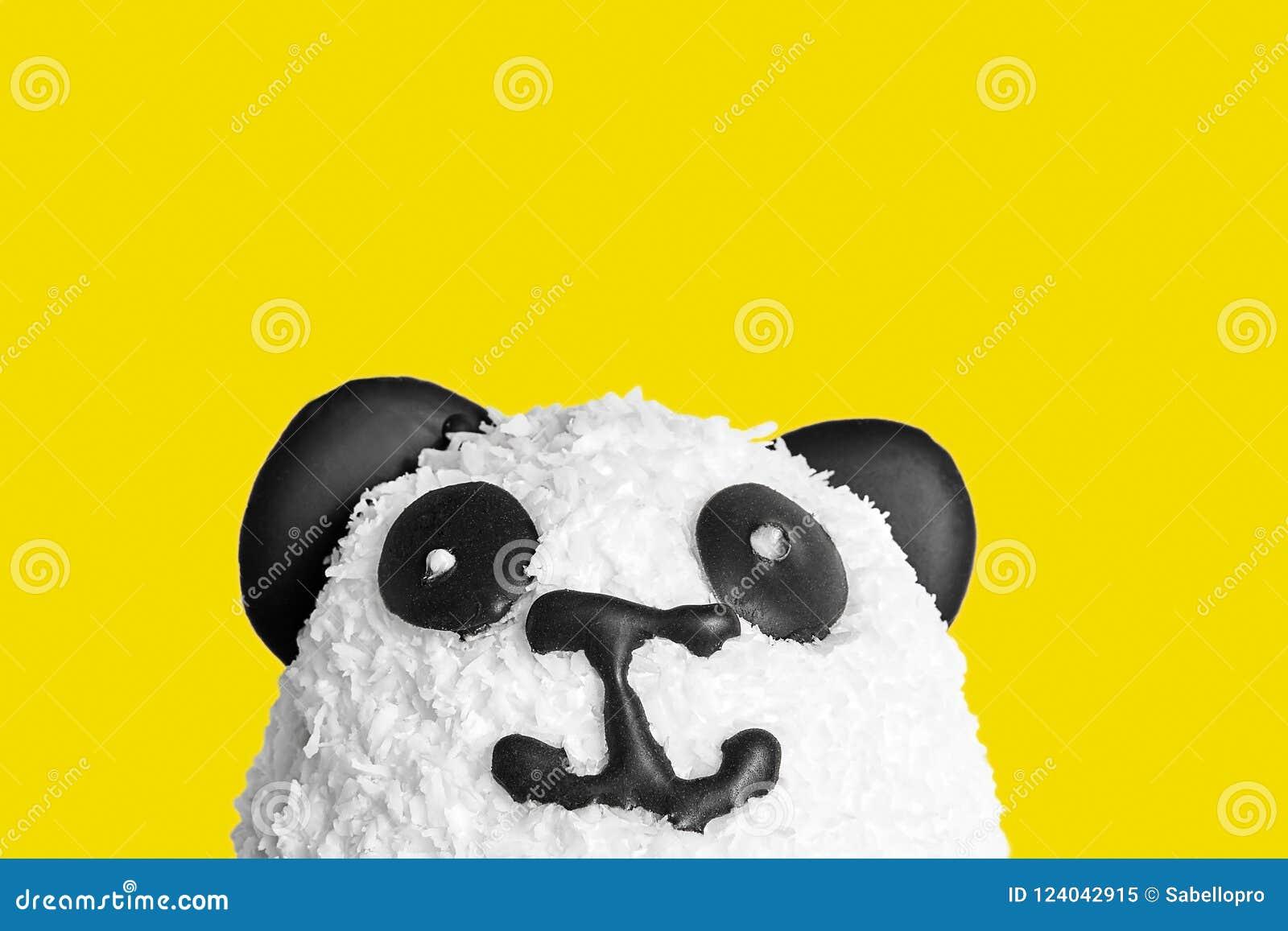 Cukierki tort w postaci pandy głowy