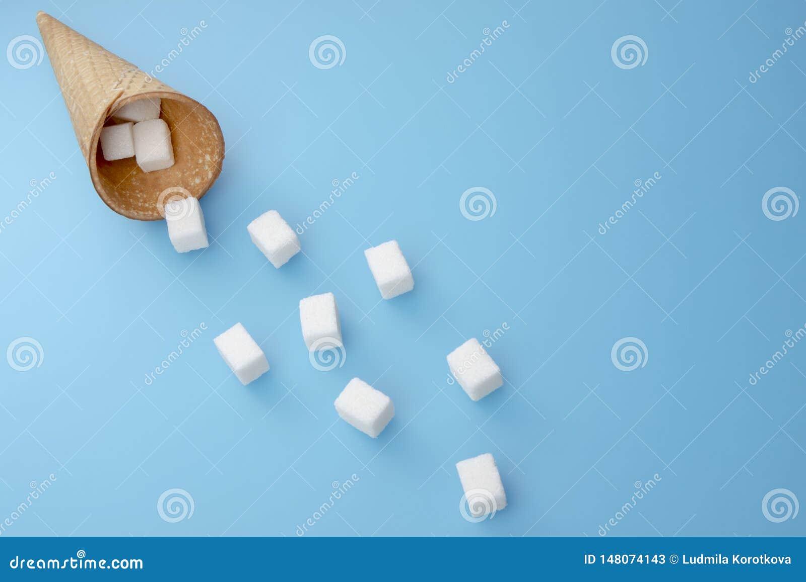 Cukrowi sześciany od lody rożka Odbitkowa przestrze? dla teksta Odg?rny widok