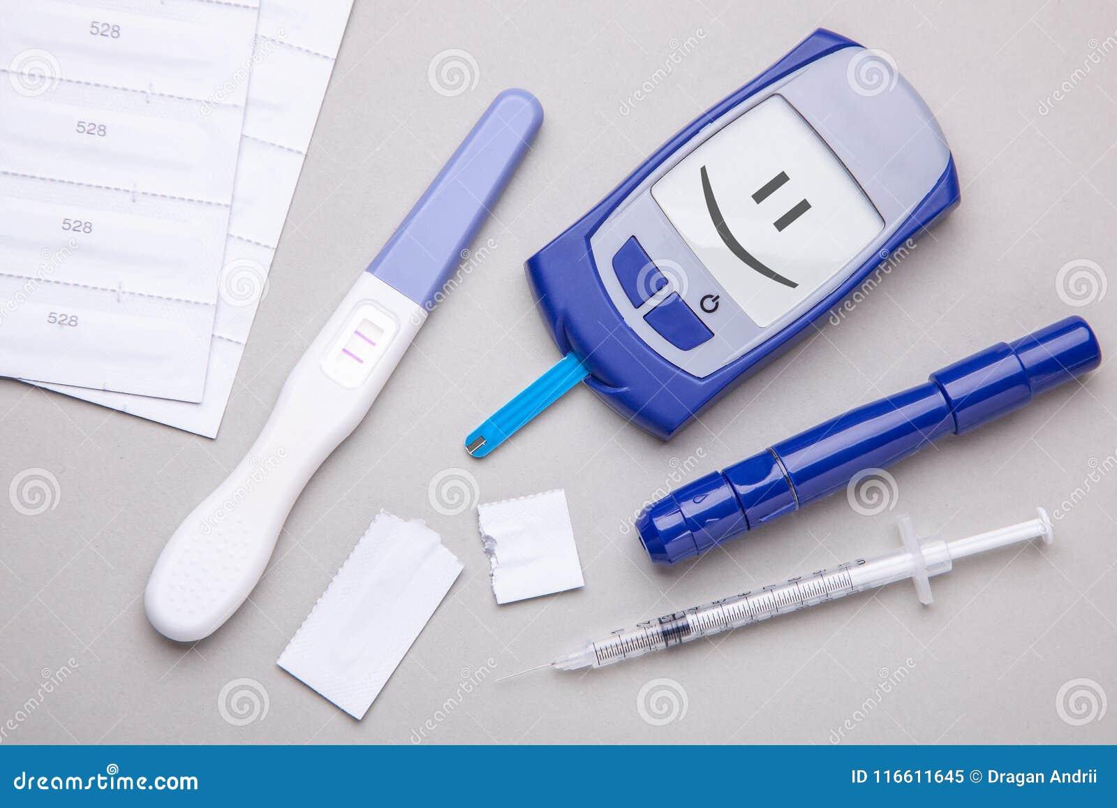 Cukrzyce mellitus, narosły krwionośny cukier w kobieta w ciąży Glucometer i pozytywu test dla variability