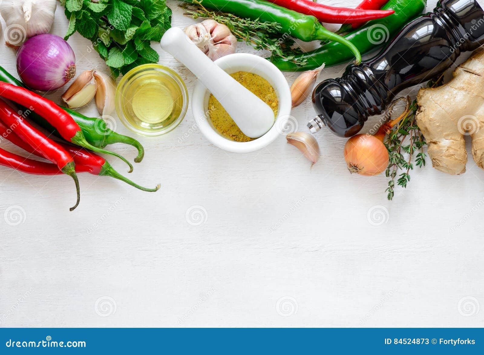 Culinaire achtergrond met het koken van ingredi nten stock foto afbeelding 84524873 - Hoek maaltijd ...