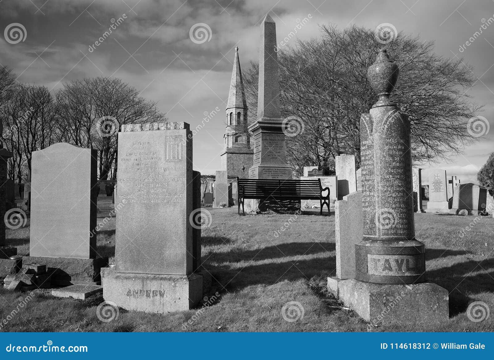 Culshmonument en het kerkhof van de Commonwealth in nieuwe herten aberdeenshire Schotland